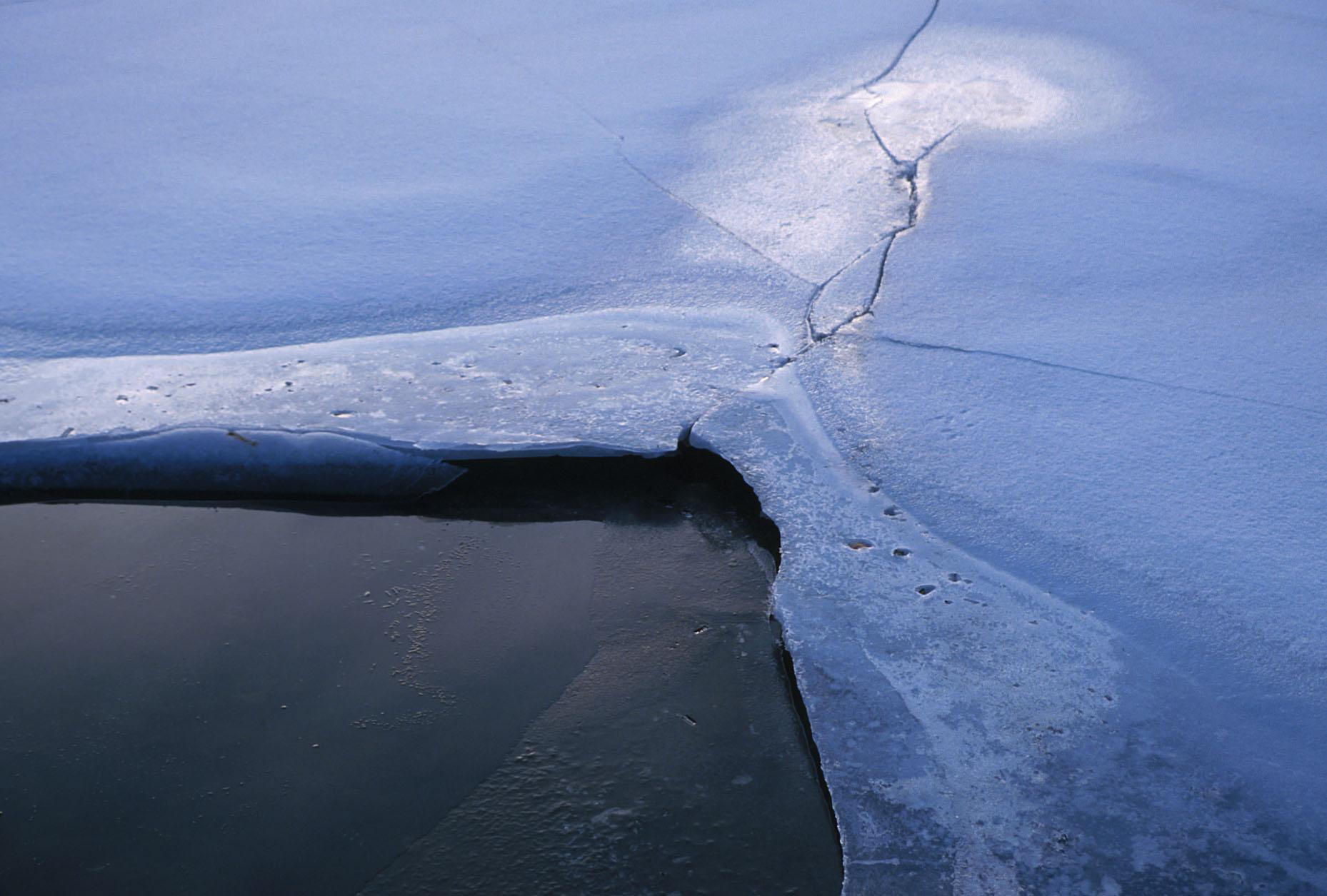 ice on tidal pool