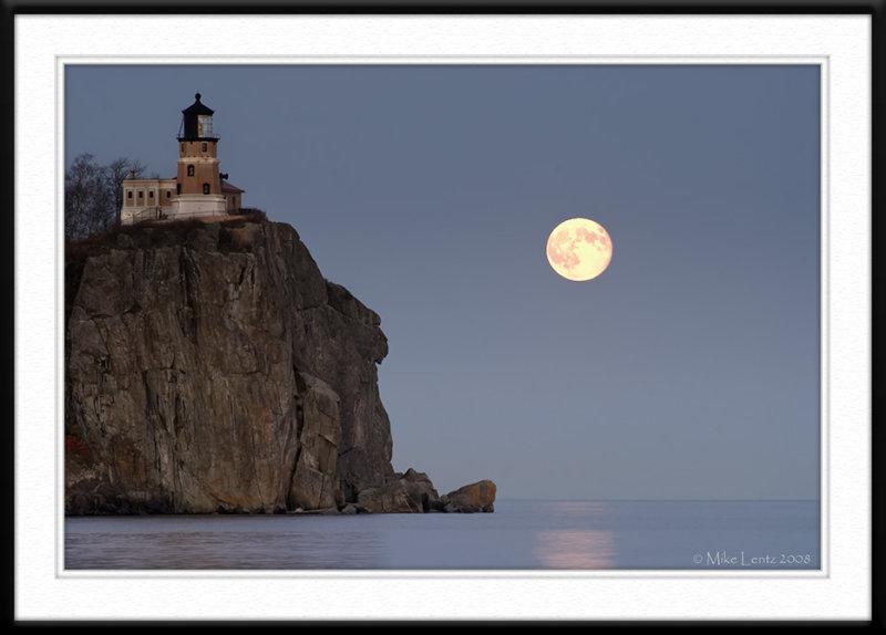 Splitrock Lighthouse moonlit nights