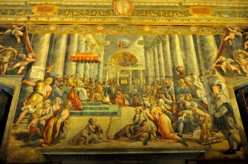 62_A huge painting on the wall.jpg