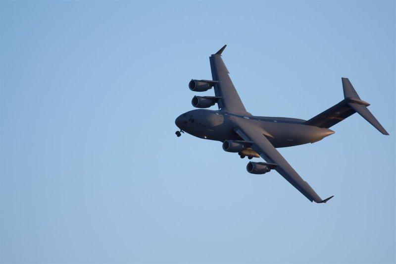 C-17 in slow turn