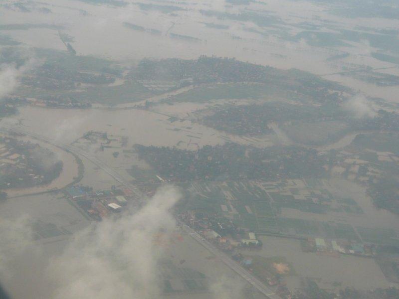 Vue aérienne dun pays inondé