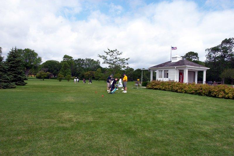 golfcoursehut.jpg