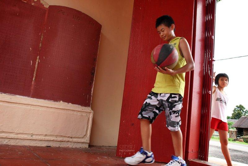 Basketball: Making an entrance