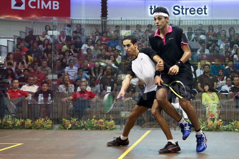Mens final: Tarek Momen upset Mohamed El Shorbagy.