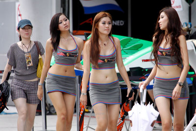 Grid girls galore
