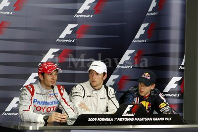 Media Conference after Qualifying Race