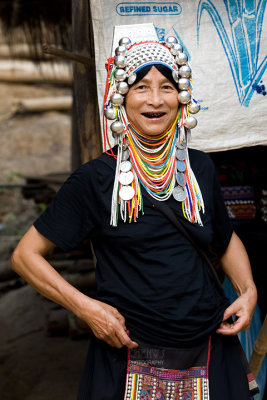Akha hill tribe women