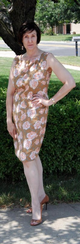 Roses & Caramel Front #1128