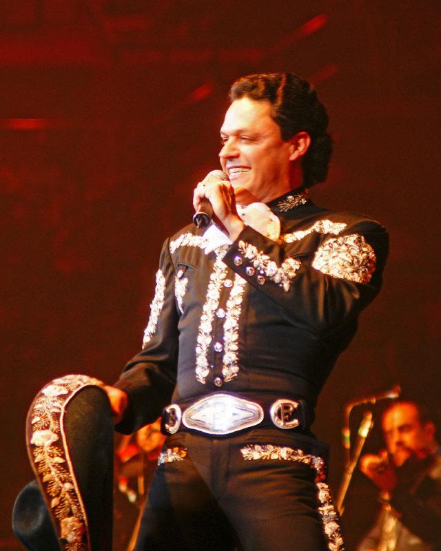 Pedro Fernández - 16.jpg