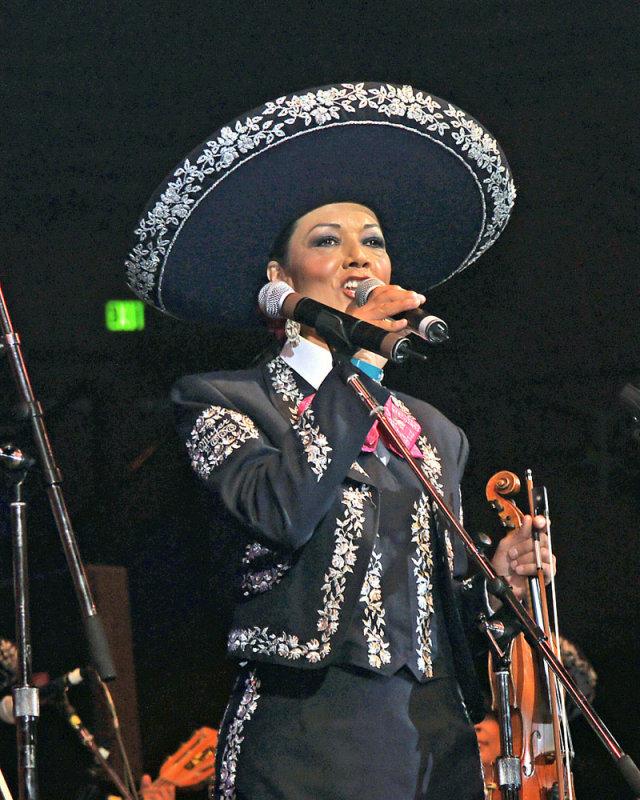 Mariachi Mujer 2000 - 2009 - 9a.jpg