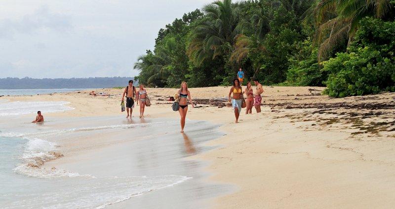 Zapatillas, Bocas del Toro, the Islands