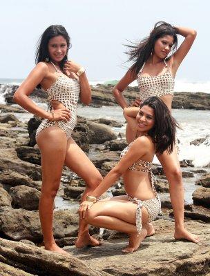 Crazy Crab Girls at Maderas Beach