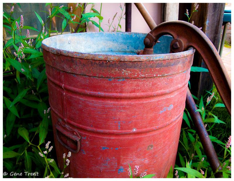 Red bucket-0069.jpg