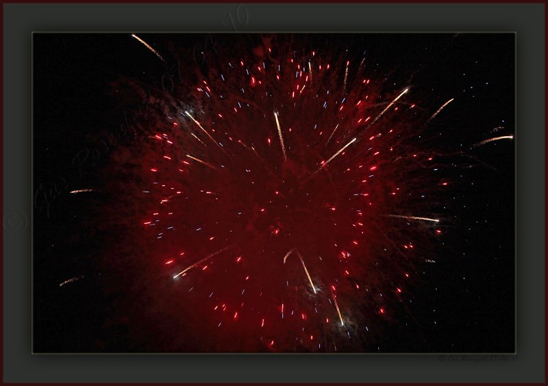 Happy 5th From The 4th America!<br>Hubble Telescope Or Grass Field?