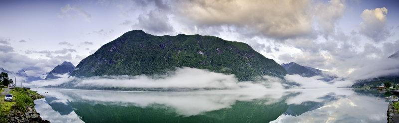 Fjaerlandfjord Pano