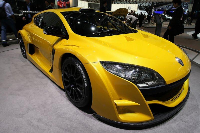 Mondial de lAutomobile 2008 - Sur le stand de Renault