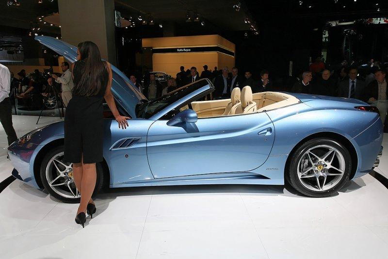 Mondial de lAutomobile 2008 - Sur le stand de la marque Ferrari