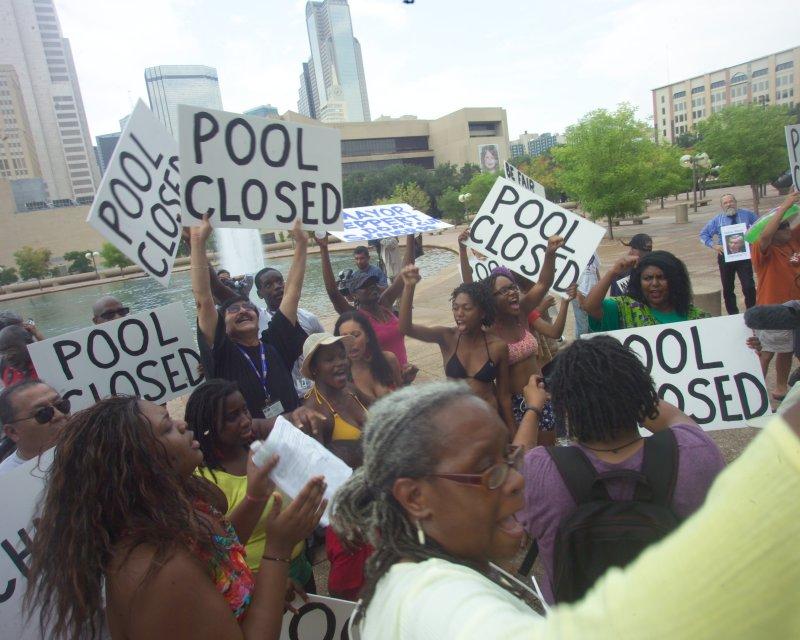 calatrava and closed pools protest 076.JPG