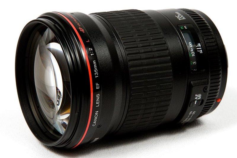 Canon Lens EF 135mm f/2 L USM