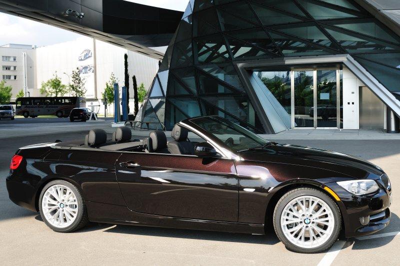 BMW 2011 335i_20100626-040.jpg