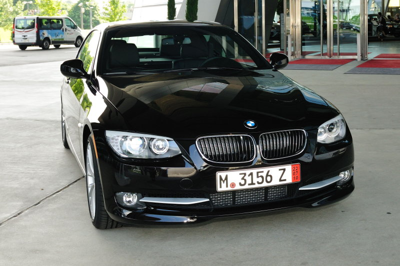 BMW 2011 335i_20100626-032.jpg