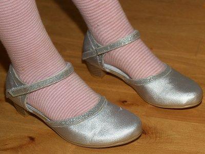 2008-11-06 Nicoles shoes