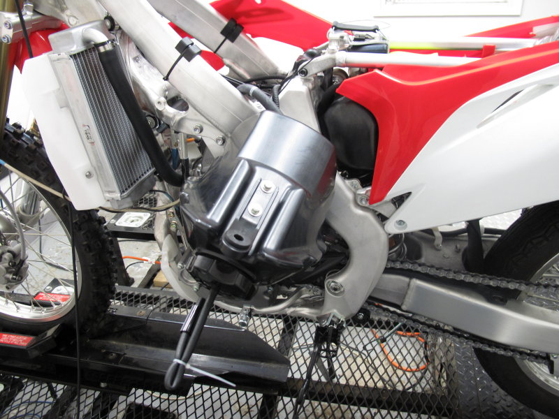 CRF250R Fuel Tank Held by Tether