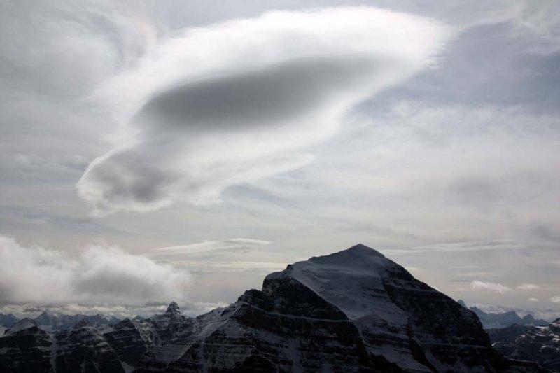 <br>Temple, Upper N Face & Lenticular Cloud <br> (TenPkTemple090808-_32.jpg)
