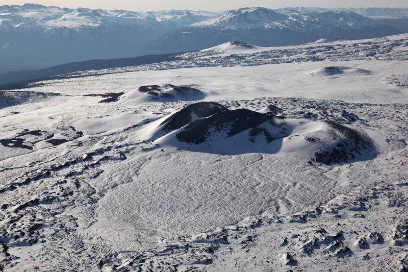 Cinder Cone, Mt Edziza, NE Slope <br> (Edziza042909--_017.jpg)