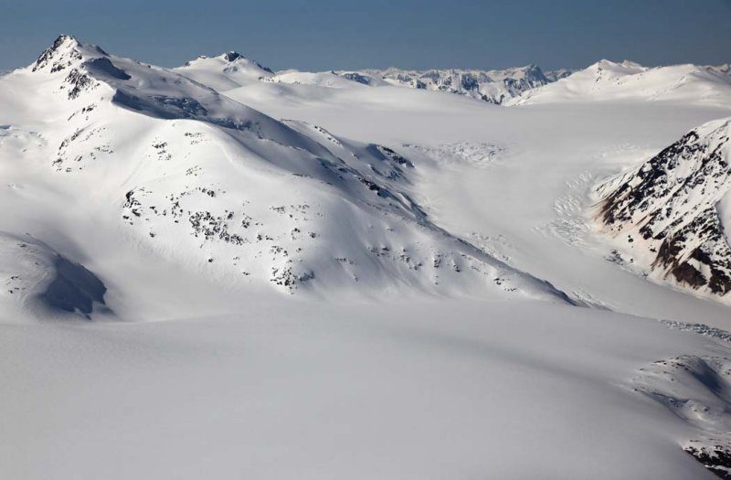 Cambria Icefield, Bromley Pk (L) & Bromley Glacier, View SW <br> (CassiarCambria043009-_085.jpg)