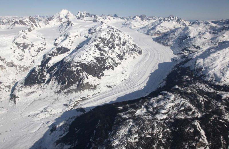 Scud Glacier, View N/NW <br> (AndreiScud042909--_095.jpg)