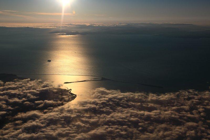 Dungeness Spit & The Strait Of Juan De Fuca <br> (Olympics062510-170adj.jpg)
