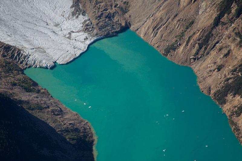Kiwa Lake<br>(JohnAbbottKiwa_092712_022-2.jpg)