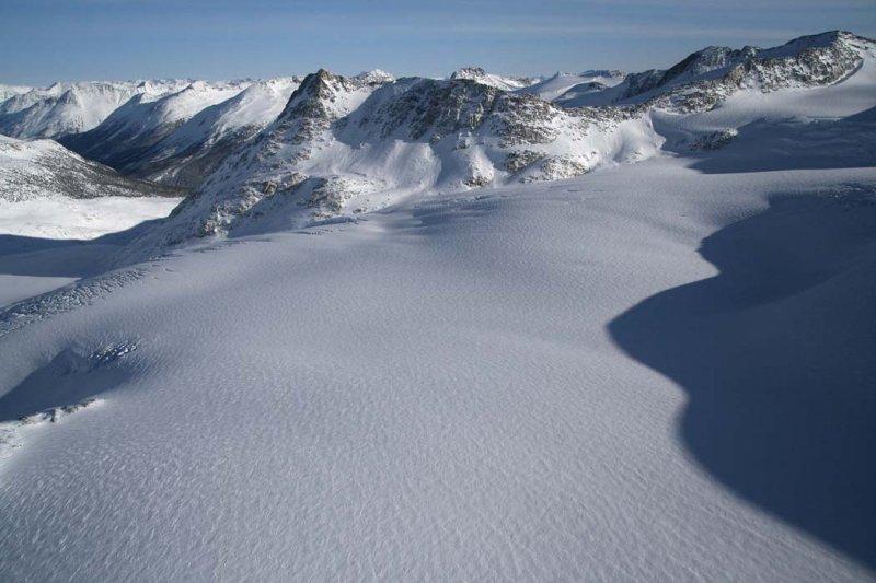 Upper Frank Smith Glacier, View NE <br> (Lillooet011508-_0517.jpg)