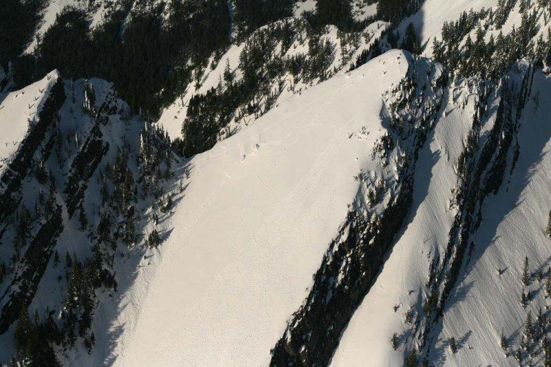 Higgins, Upper SW Face Ski Tracks <br> (Higgins021708-_10.jpg)