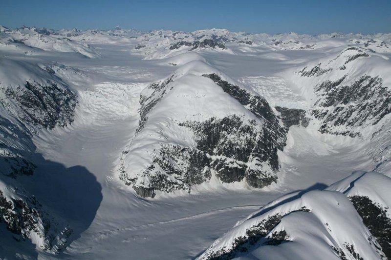 Satsalla Glacier: Twin Icefalls <br> (Ha-Iltzuk021808-_260.jpg)