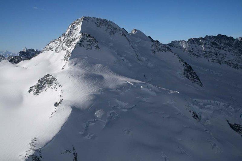 Royal Mountain, N Face, View SW <br> (NiutPantheon021808-_034.jpg)