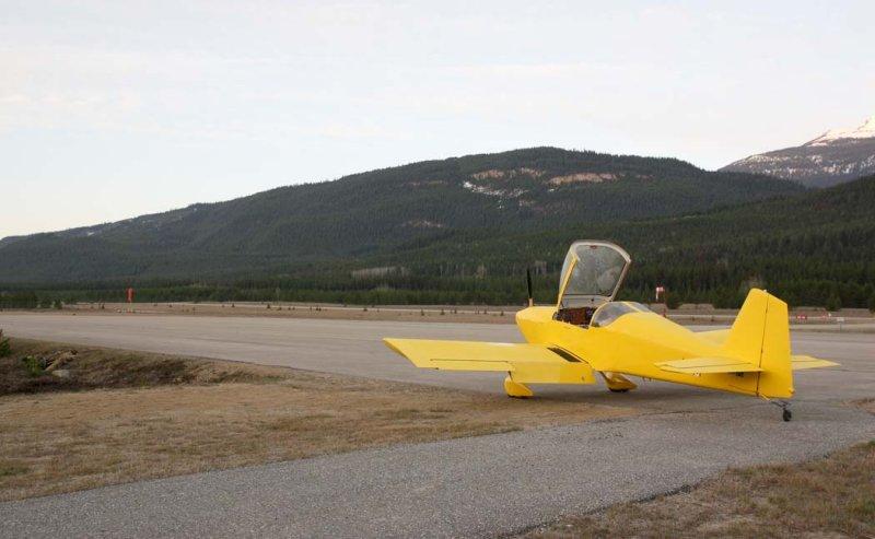 Valemount, BC:  Ready To Depart For Ft. Nelson <br> (MtFlight051608-864.jpg)