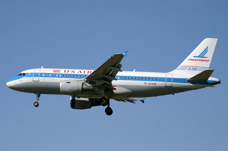 US A-319 in Piedmont Airways colors -- remembering one of US Airways predecessors.