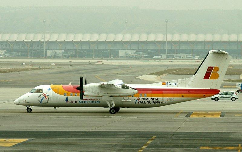 Air Nostrums Dash-8 at MAD