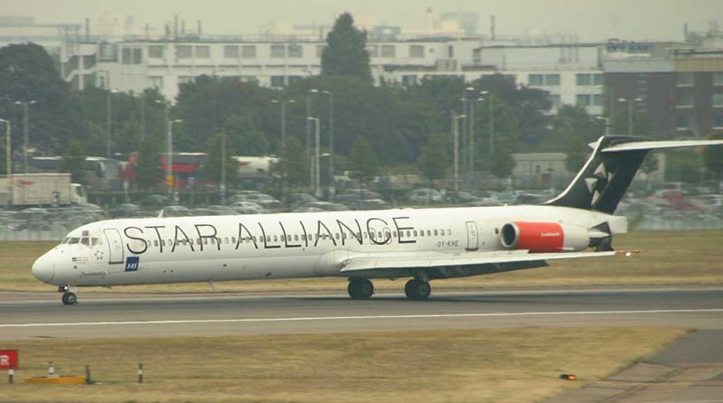 The red engines on this SAS MD-80 brightens the otherswise dull picture