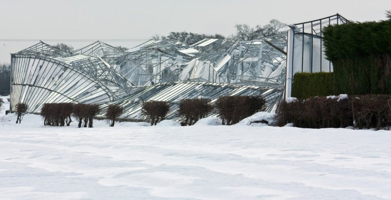 greenhouse snow damage  IMG_5333-1.jpg