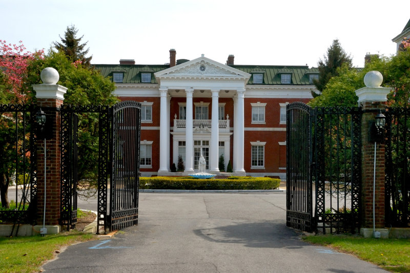 Bourne Mansion, Oakdale