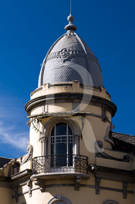 Edifício na Avenida de Berna, nºs 1 e 1 - A (IIP)