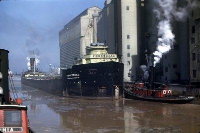 Frontenac_steamship_01.jpg