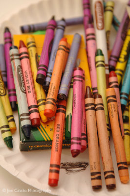 multi_colored_crayons_01.jpg