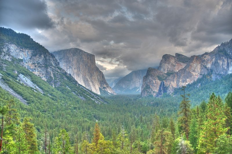 Tunnel View C HDR
