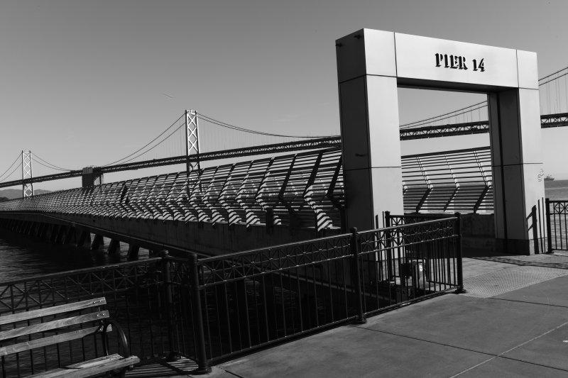 Pier 14 BW