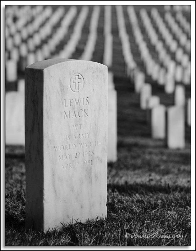 Lewis-Mack_D7C_1311.jpg