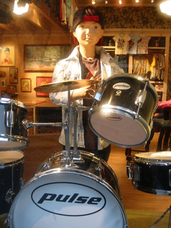 Lucky Kid Drummer Window